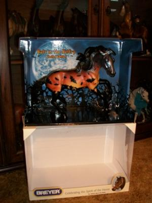 #2 has more yellow Breyer Model Bats In The Belfry Limited Edition